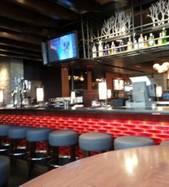 Houlihan's Rogers (permanently closed)